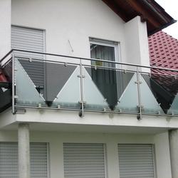 balkongel nder mit glas. Black Bedroom Furniture Sets. Home Design Ideas